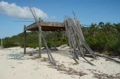 A staff housing unit nears completion on Blacktip Island's west coast.